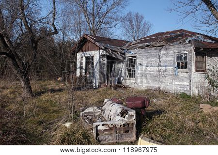 A Deserted Residence falls to Ruin