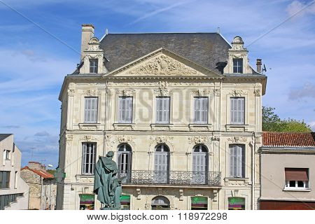 Loudon, France