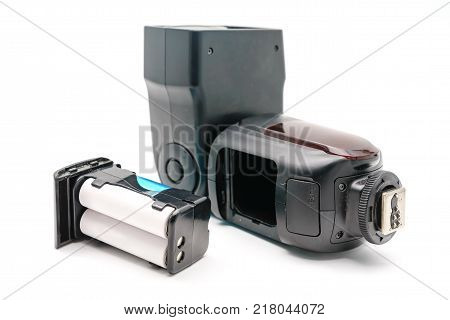 Battery slot in the external flash to the camera with AA rechargeable batteries