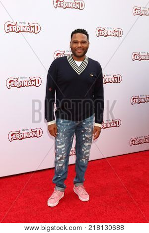 LOS ANGELES - DEC 10:  Anthony Anderson at the