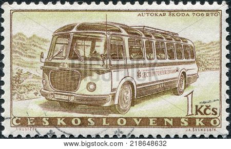 CZECHOSLOVAKIA - CIRCA 1958: A stamp printed in the Czechoslovakia the bus shows the Skoda 706 RTO circa 1958