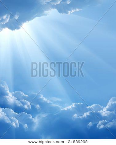 kék ég, a nap és a gyönyörű felhők