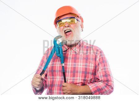 Sanitary Engineering. Experienced Engineer. Plumber Workshop. Plumber Repairing Or Renovating. Home