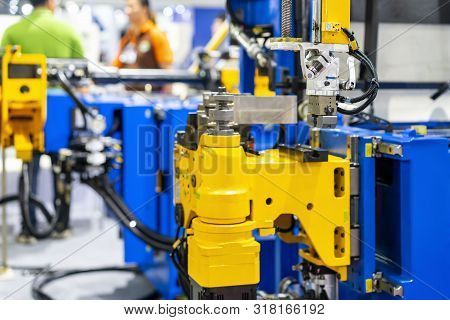 Automatic Grip Unit For Catch Product Such Wire Pipe Tube Etc Of High Technology And Precision Cnc A