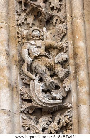 Salamanca, España: August 18, 2019: Detail Of Figure Of Astronaut Worked In Stone In Door Of Branche