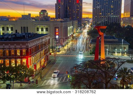 San Antonio, Tx, Usa - Dec. 11, 2018: San Antonio Commerce St And The Torch Of Friendship At Sunrise