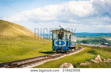 Llandudno, Gwynedd, North Wales.: May 22nd 2007. Tram Approaching The Summit Of The Great Orme. The