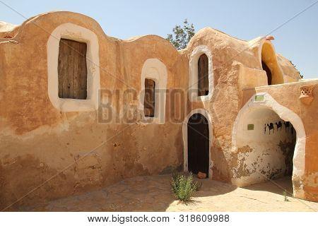 Ksar Hеdada - Place Of Shooting Star Wars In Tunisia