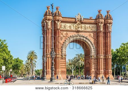 Barcelona,spain - May 20,2019 - View At The Arc De Triomf Building In The Streets Of Barcelona. Barc