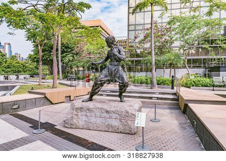 Hong Kong - December 14, 2016: Famous Bruce Lee Statue At The Avenue Of Stars In Tsim Sha Tsui.