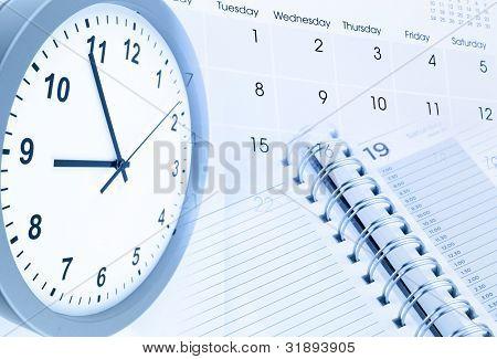Zifferblatt, Kalenderseite und Tagebuch