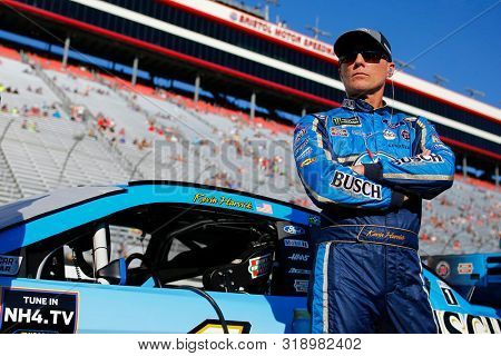 August 16, 2019 - Bristol, Tennessee, USA: Kevin Harvick (4) gets ready to qualify for the Bass Pro Shops NRA Night Race at Bristol Motor Speedway in Bristol, Tennessee.