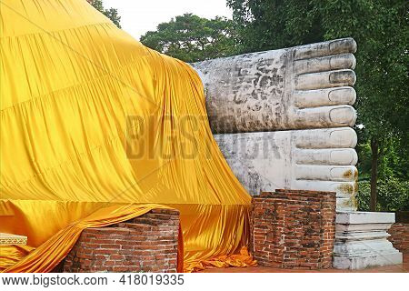 Feet Part And The Yellow Robe Of The Reclining Buddha Image Measuring 50 Meters Long At Wat Khun Int