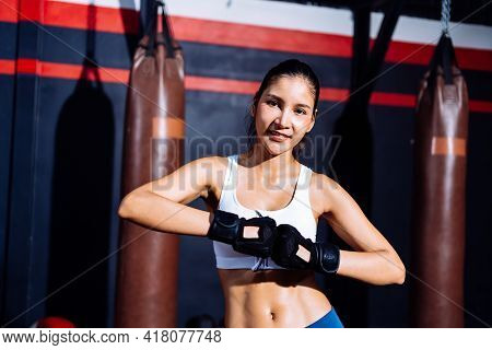 Endurance Boxer Asian Woman Ready Fight Boxing Exercise Workout Fit Body Healthy Lifestyle Athlete M