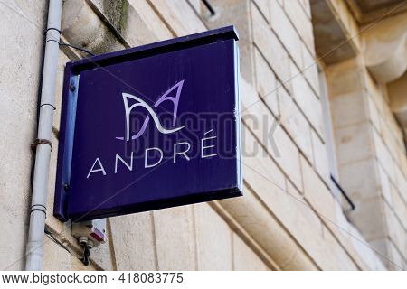 Bordeaux , Aquitaine France - 04 22 2021 : Andre Sign Brand And Text Logo Shoes Store Fashion Appare