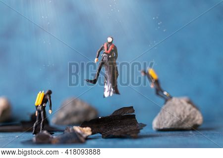 Miniature People , Scuba Diver Cleans Up Plastic Rubbish Pollution Discarded In Ocean