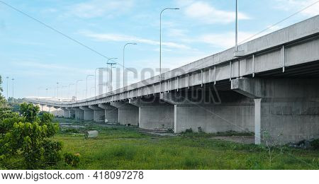 Elevated Highway Construction Connecting Between Colombo And Anuradhapura Districts, The Expressway