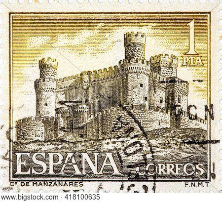 Spain - Circa 1966: A Stamp Printed By Spain Shows View Of The Castle Manzanares In Manzanares El Re