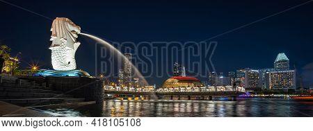 Singapore - January 31, 2020: Panorama Photo Of Marina Bay, Singapore At Night