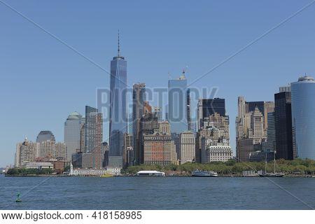 New York City, Ny, Usa 2.09.2020 - 1 World Trade Center And Manhattan Skyline From Brooklyn. Liberty