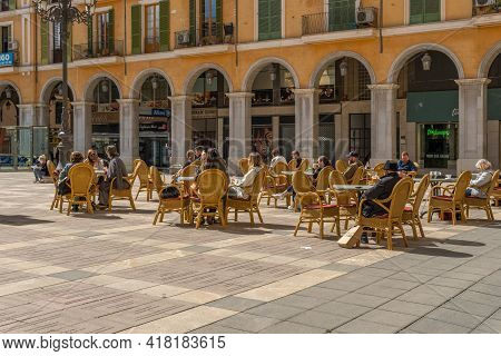Palma De Mallorca, Spain; April 23 2021: Terrace Of A Cafeteria In The Historic Center Of Palma De M