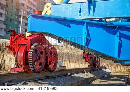 Shipyards Machinery And Equipment In The Factory,adjustable Wheel Rails For Machinery