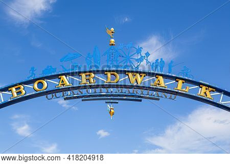Close Up Isolate Image Of The Wooden Arch  At The Entrance Of Famous Board Walk By The Ocean City, M