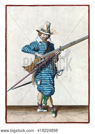 A soldier, full-length, to the right, closing the pan  of his musket  with his right hand. In his left hand, in addition to the musket, also a furket (musket fork) and a burning fuse