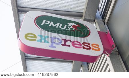 Bordeaux , Aquitaine France - 04 22 2021 : Pmu Express Logo And Text Brand Sign Store Famous French