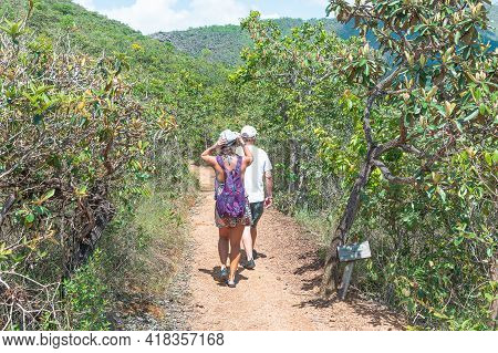 São Roque De Minas - Mg, Brazil - December 14, 2020: Tourists Walking On A Trail Of The Natural Rese