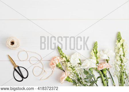 Floral Decoration Master Class, Creative Workshop, Bridal Bouquet. Bouquet Making In Florist Shop