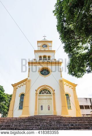 São Roque De Minas - Mg, Brazil - December 14, 2020: Outdoors Of The Mother Church, The Parish Of Sã