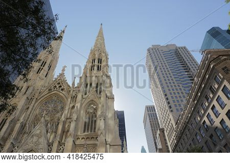 New York City, Ny, Usa 2.09.2020 - Saint Patricks Cathedral Spires 5th Ave Botton Up View. Midtown M