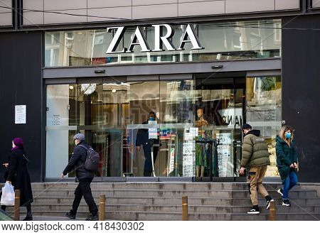 Bucharest, Romania - April 08, 2021: The Store Of The Spanish Zara Apparel Retailer From The Unirea