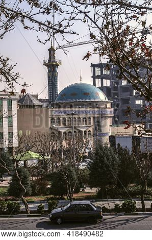 Tehran,iran,november 29,2020:the Almahdi Mosque Among Other Buildings On A Small Street Of Mohammadh