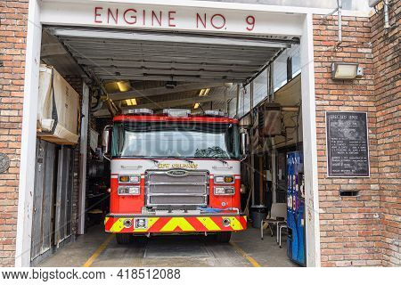 New Orleans, La - November 15: Fire Truck In Engine Number 9 Fire Station In Faubourg Marigny Neighb