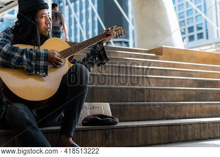 Beggars, Homeless People Sitting On The Stairs, Play Guitar, Discouraged And Desperate, Ask For A Fr