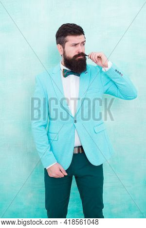Statement With His Stunning Crisp Suit Jacket. Stylist Fashion Expert. Suit Style. Fashion Trends Fo