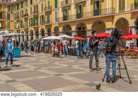Palma De Mallorca; April 23 2021: Festivity Of Sant Jordi Or Book Day In The Historic Center Of Palm