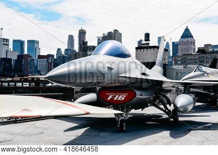 New York City, Usa - June 21, 2018: F-16 General Dynamics Aircraft In Intrepid Museum In New York. T