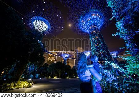 Singapore - 3 March, 2020: Singapore Future Park Gardens By The Bay, Supertree, And Marina Bay Sands