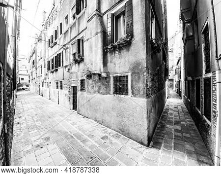 Black and white empty venice street during lock down