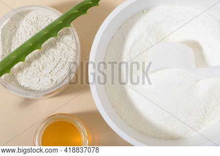 Ingredients For Collagen Powder Facial Mask: Collagen, Clay, Honey, Aloe. Natural Beauty For Skin. C
