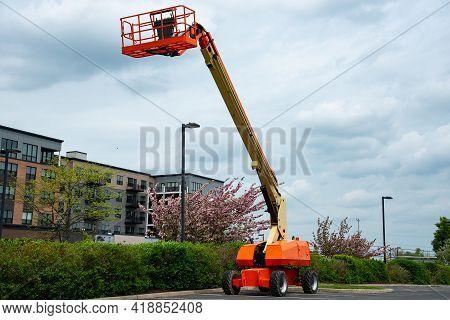 Man Lift Telescopic Boom Crane Outdoor Turntable Hydraulic
