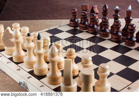 Black And White Chess Pieces Are Placed On The Chessboard To Start The Game, Educational Chess, Sele