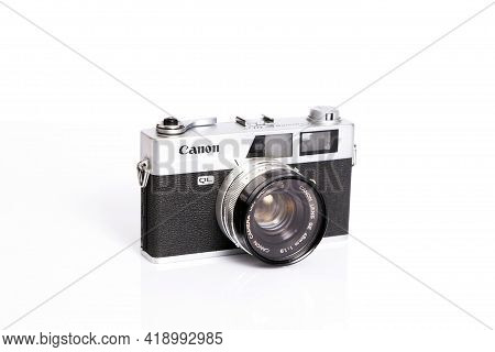 Bangkok, Thailand - May 5 : The Canonet Ql17 From Canon In Bangkok,thailand On May 5,2016. This Is A