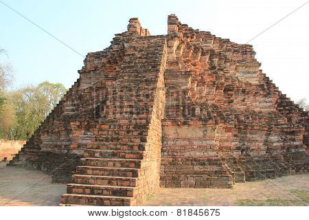 Ancient Architecture At Watlokayasutharam Temple
