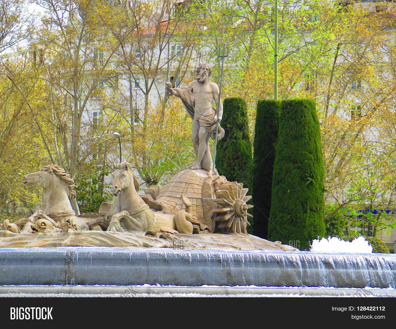 Fountain Neptune Plaza Image Photo Free Trial Bigstock
