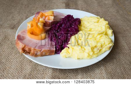 Mashed Potatoes, Braised Red Cabbage, Smoked Ham View
