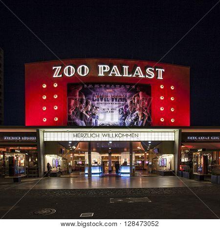 The Premiere Cinema Zoo Palast In Berlin By Night